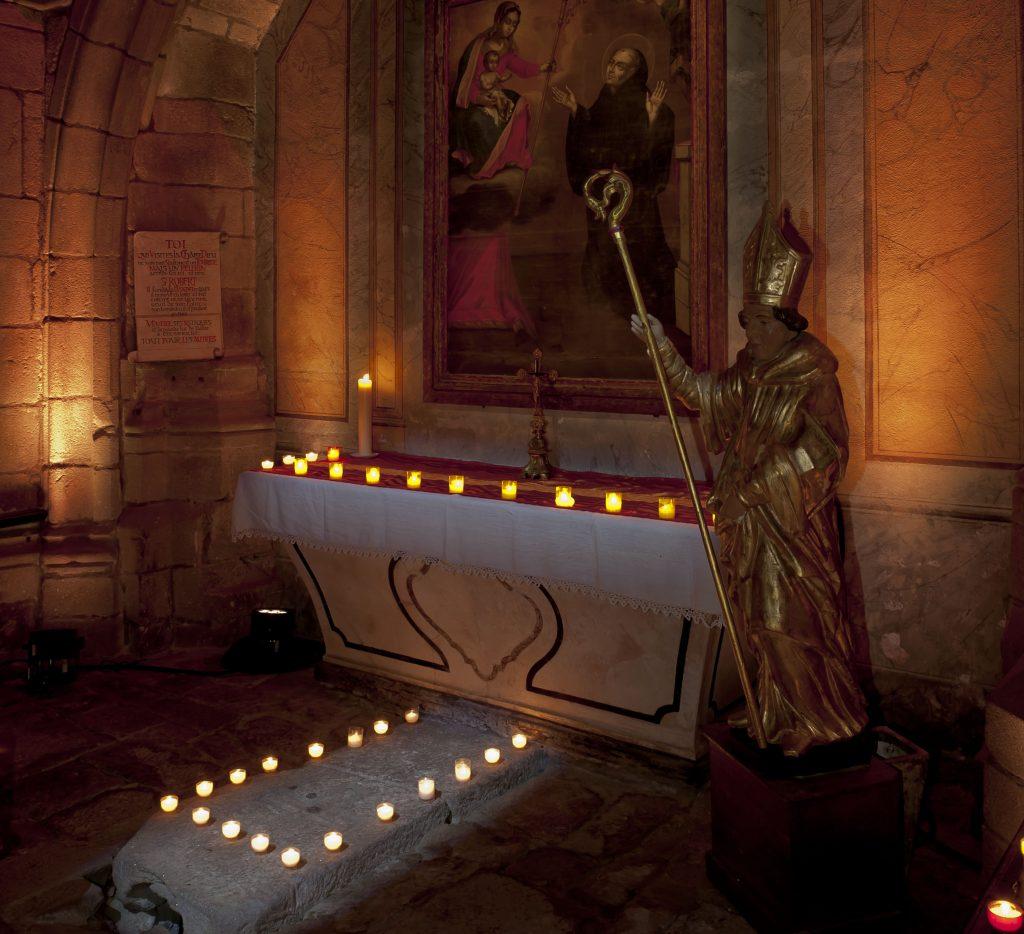 La tombe de saint Robert de Turlande, fondateur de La Chaise-Dieu.